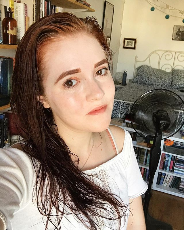 Bright eyed and fresh-faced 🤩 . . . #selfie #redhead #witch #citywitch #freckles #latergram
