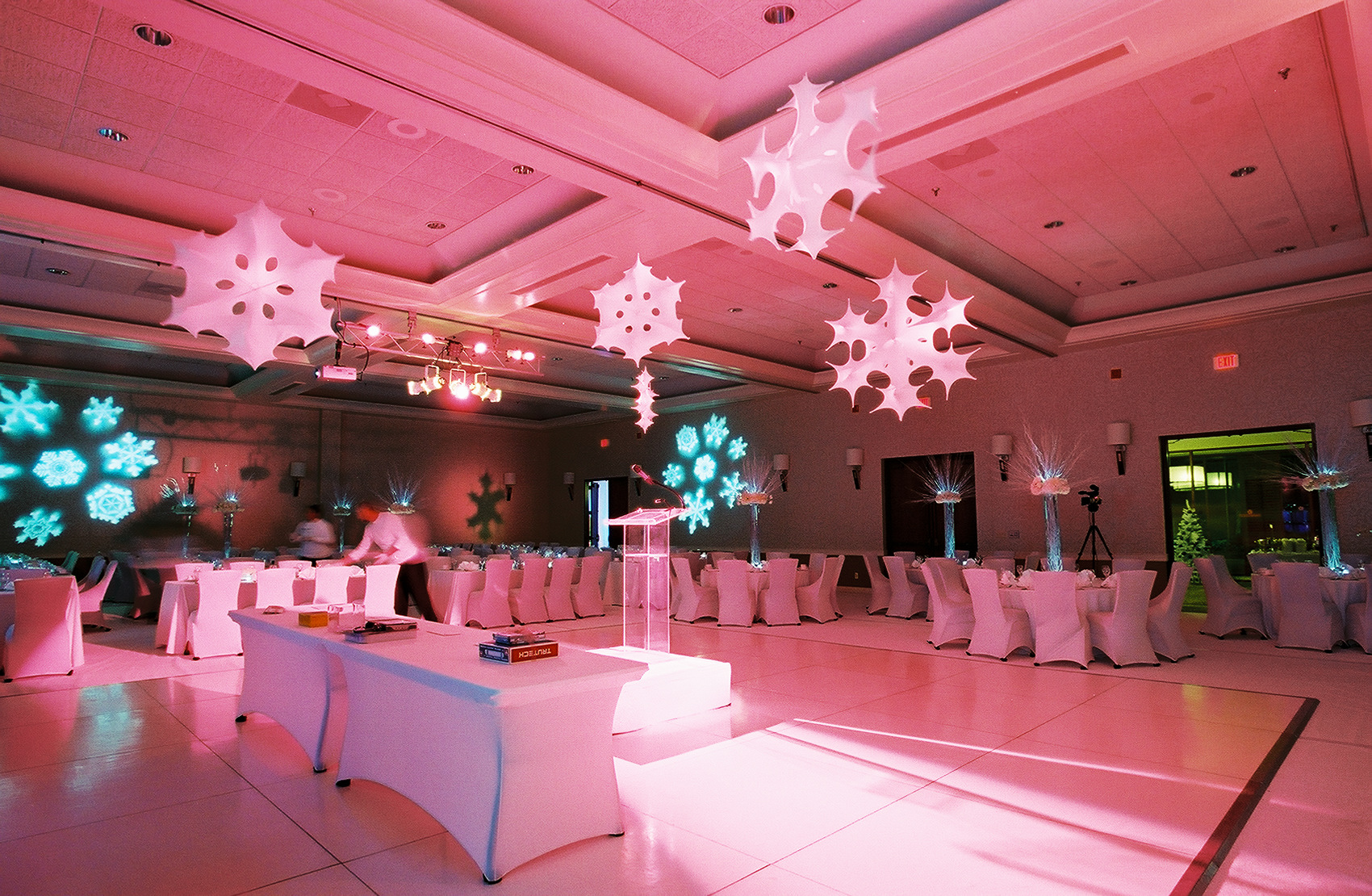 3D Snowflakes-CFA Holiday Event 012.jpg