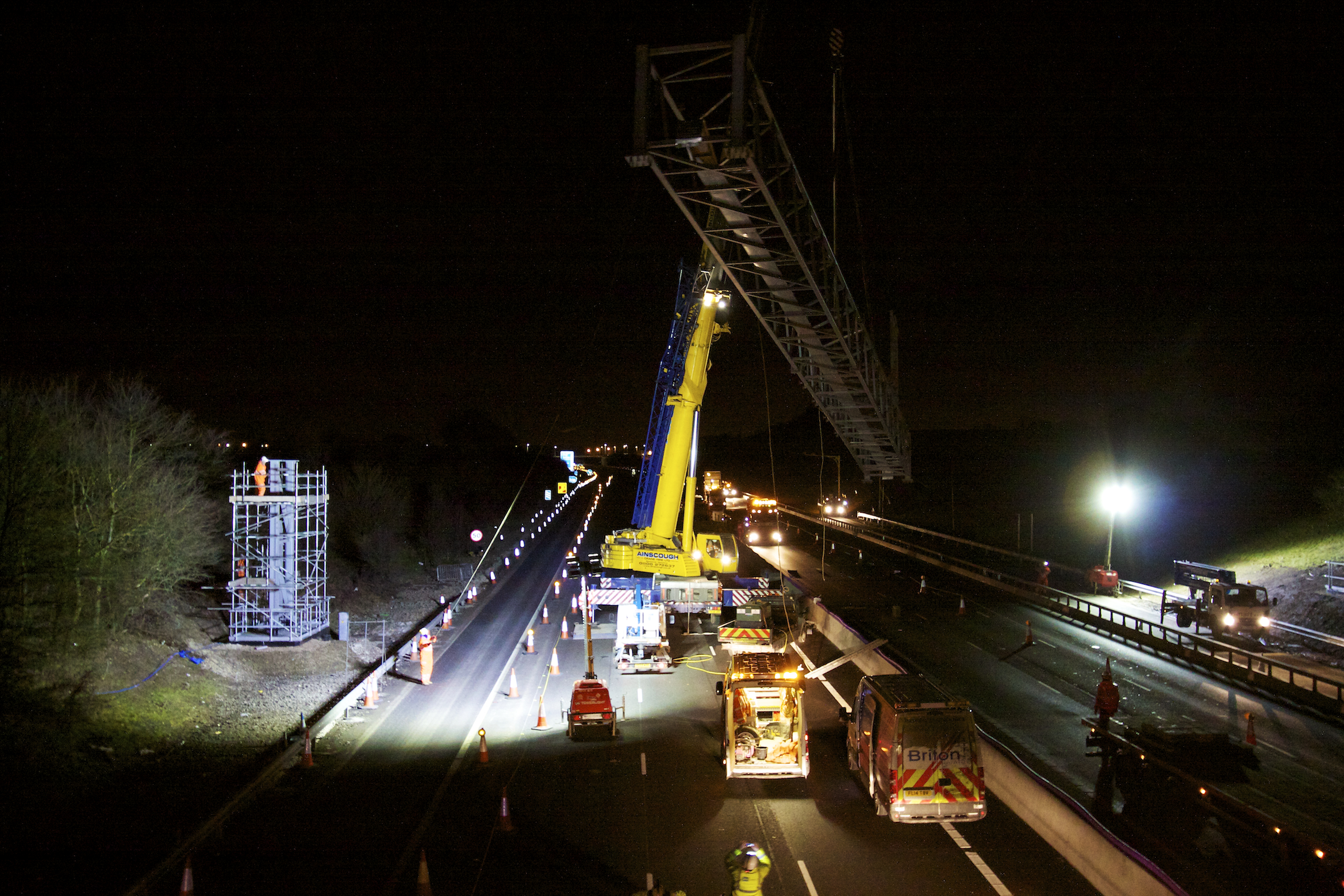 M1 Gantry Lift 03-03-2015_30©Matthew Nichol Photography.jpg