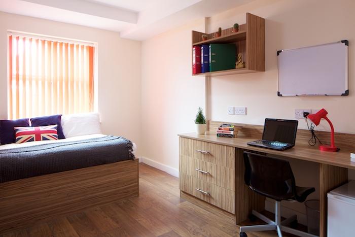 Single Bedroom_En Suite_3.jpg
