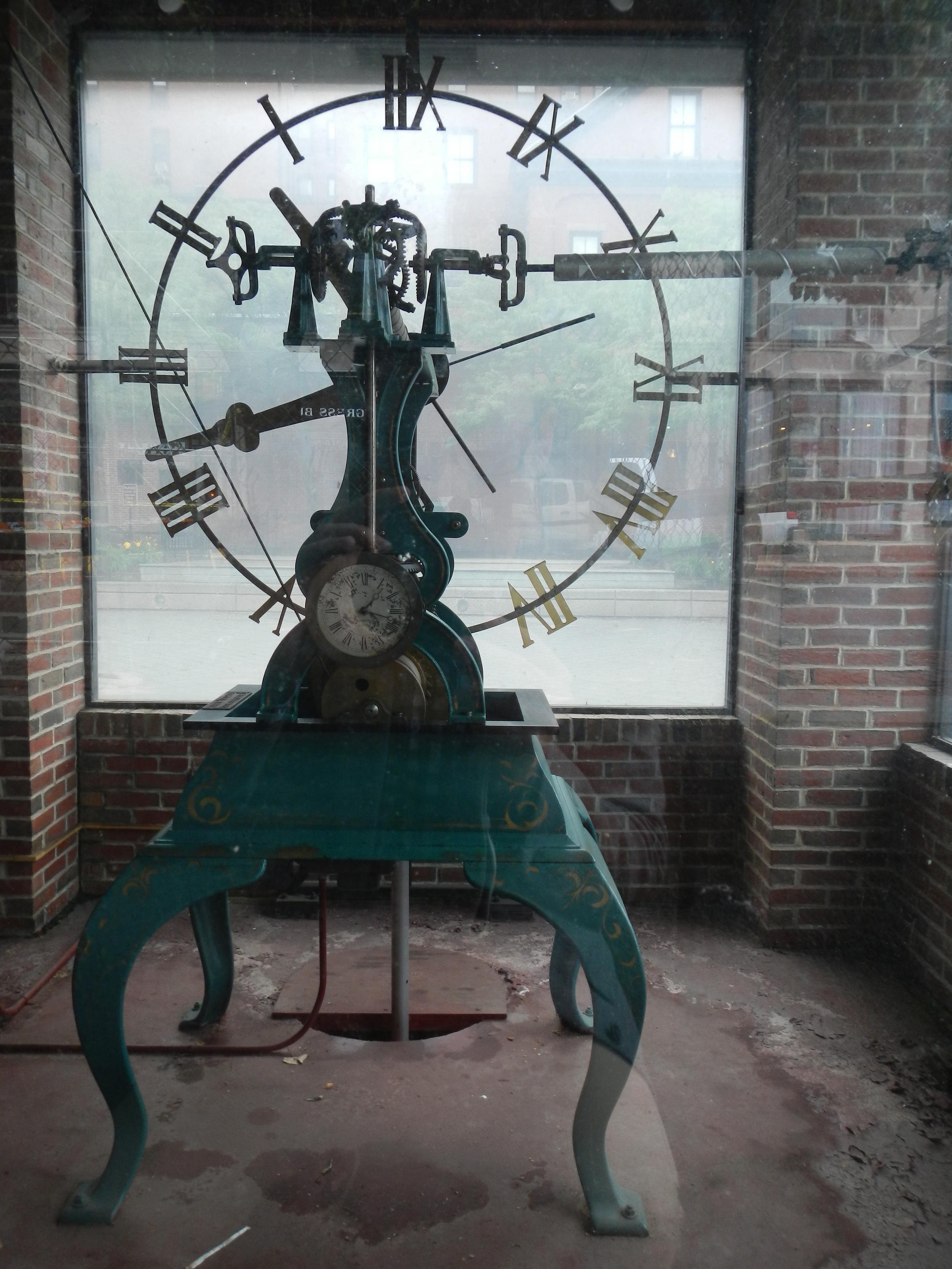 Porltand_Union_Station_Clock_Viewing_Clock_2013.JPG