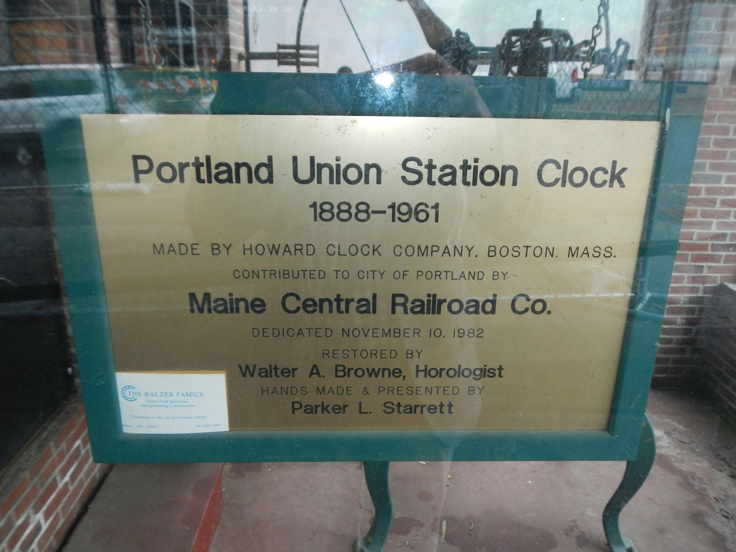 Porltand_Union_Station_Clock_Viewing_Plaque_2013.JPG
