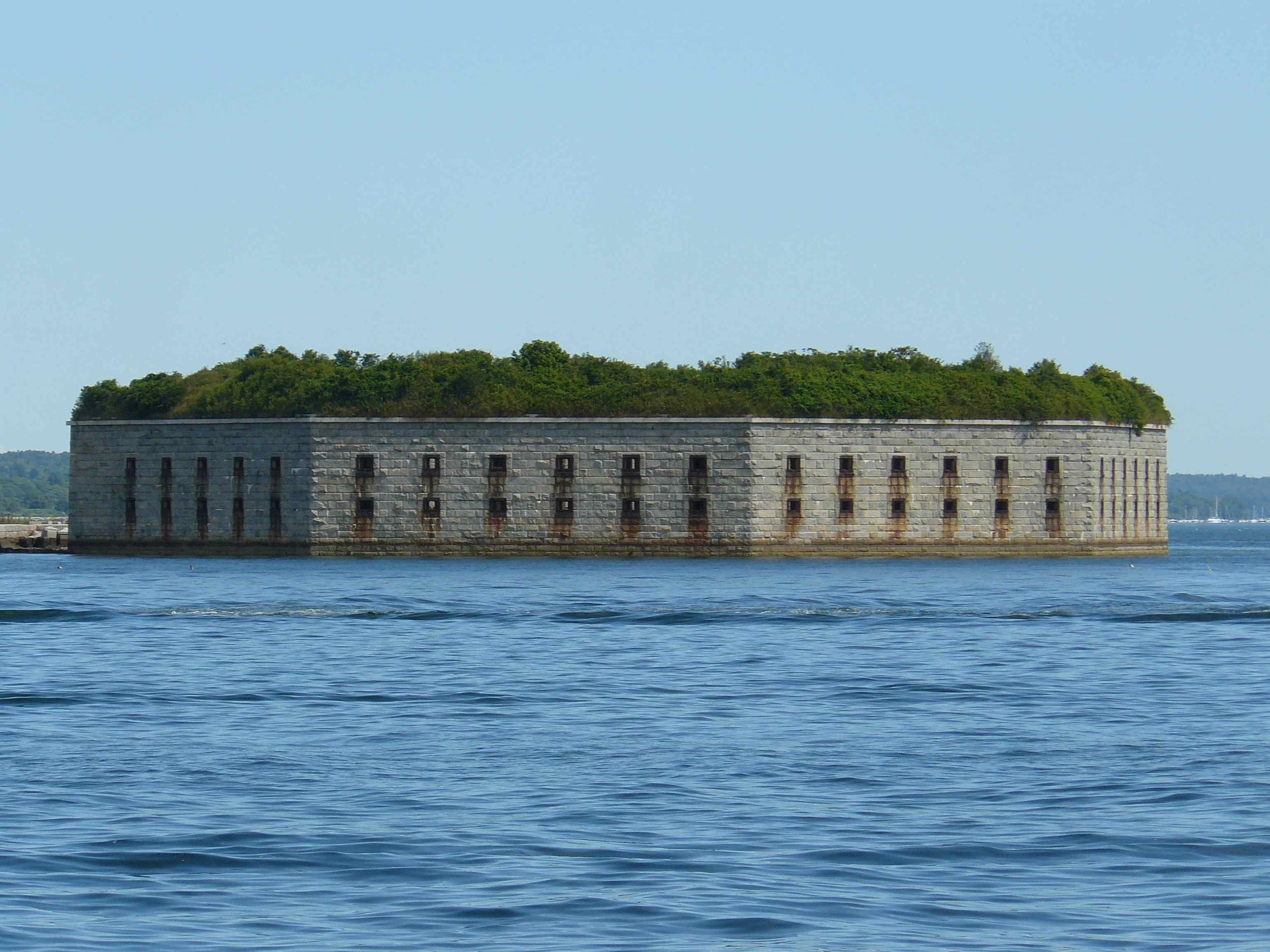 Fort_Gorges_July_2012_front.jpg