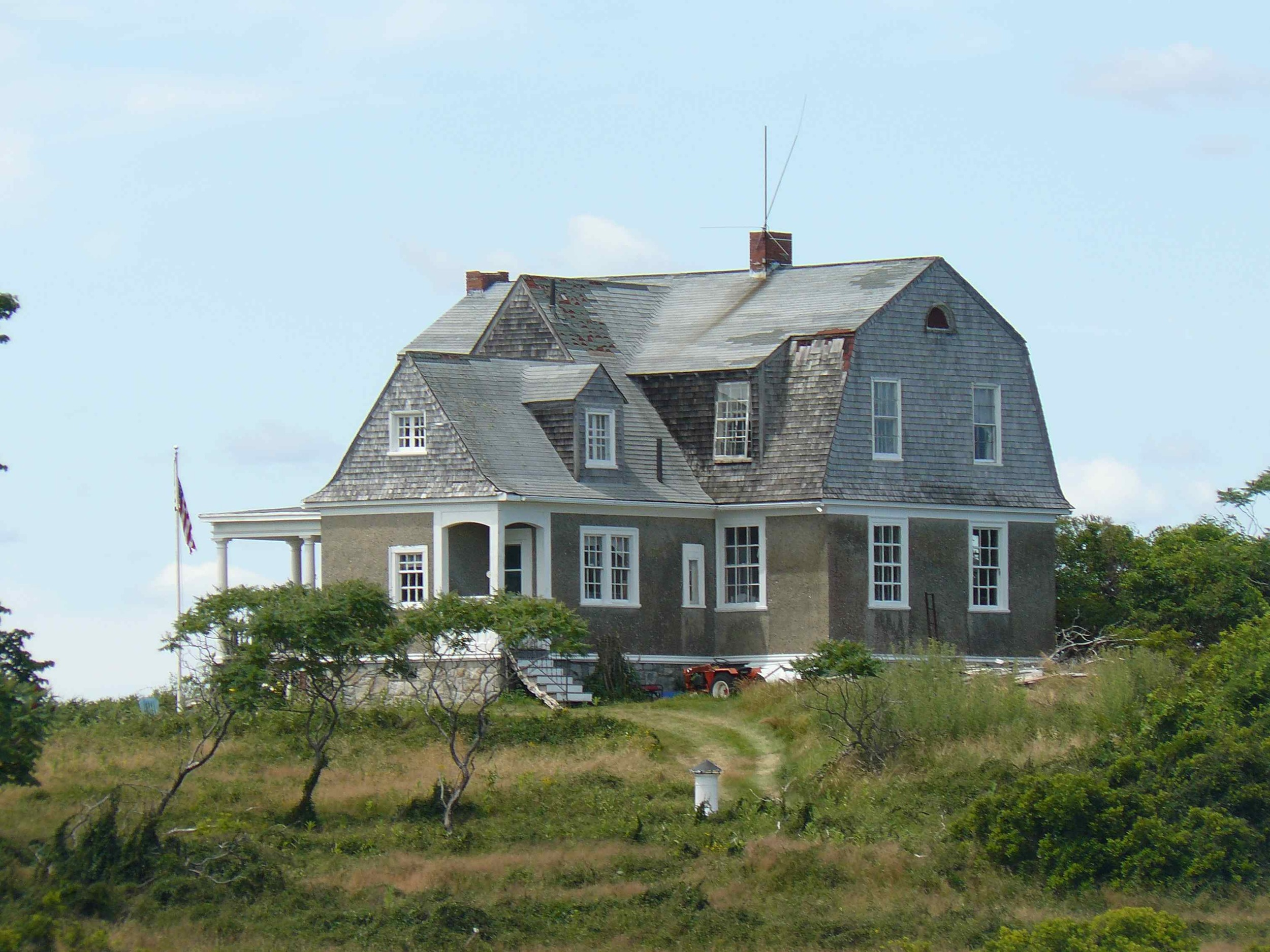 House_Island_July_2012_84_Surgeon_General_House.JPG