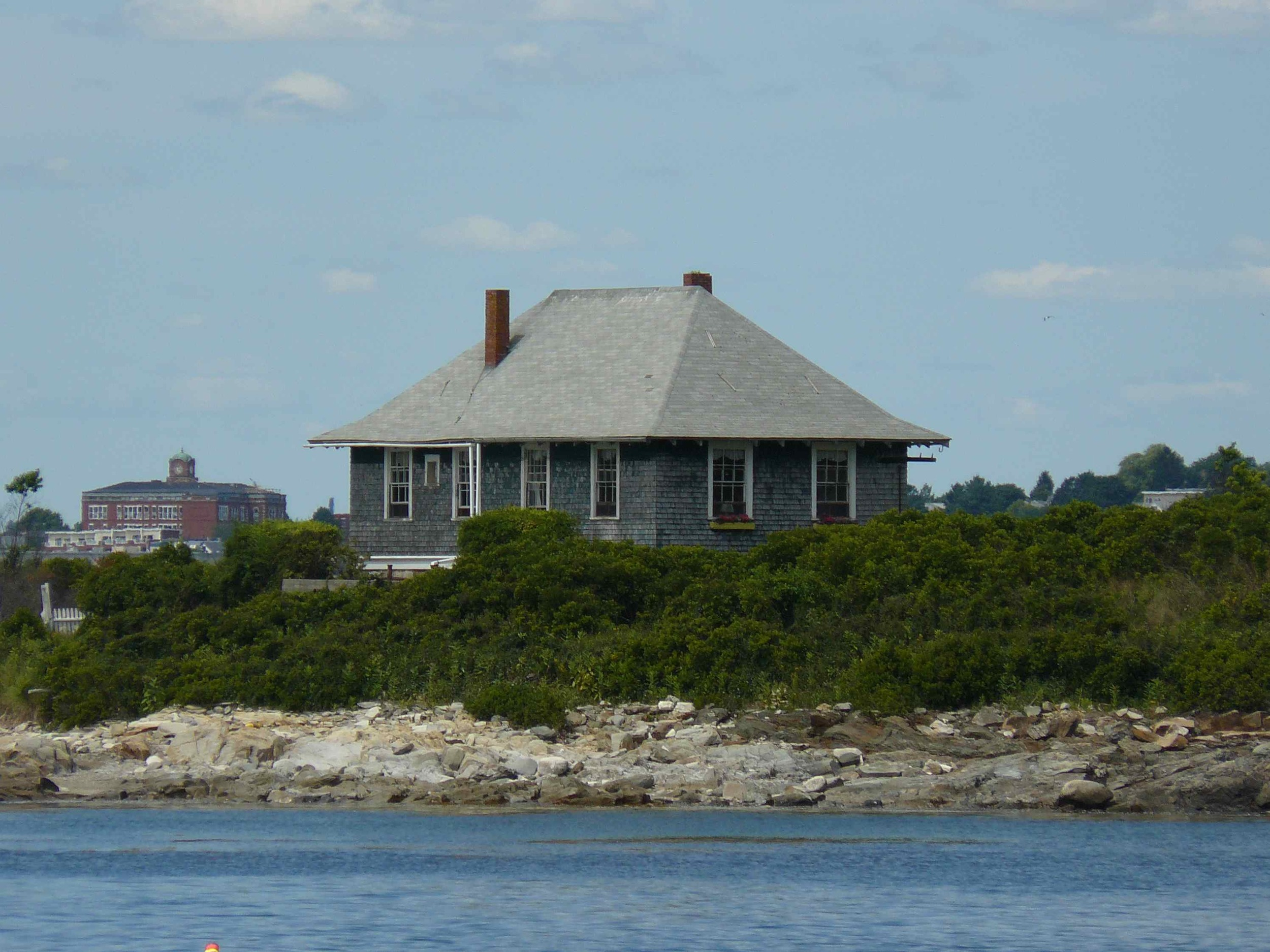 House_Island_July_2012_86_Quarantine_Station.JPG