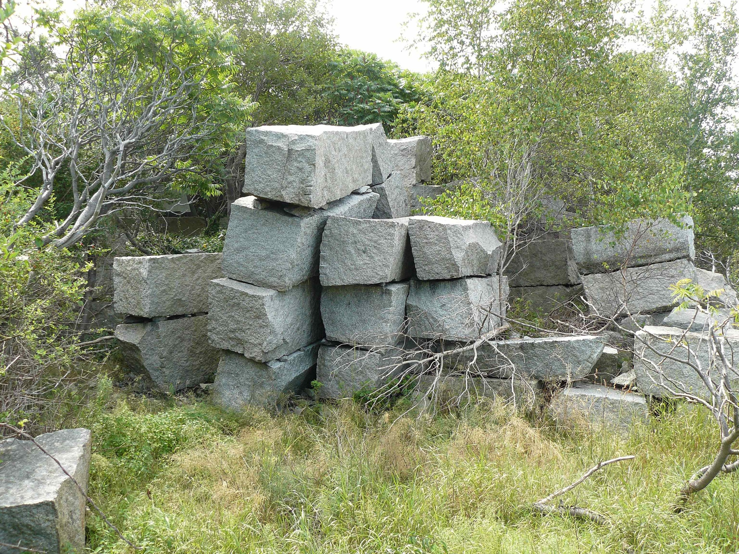House_Island_July_2012_20_granite_blocks.JPG