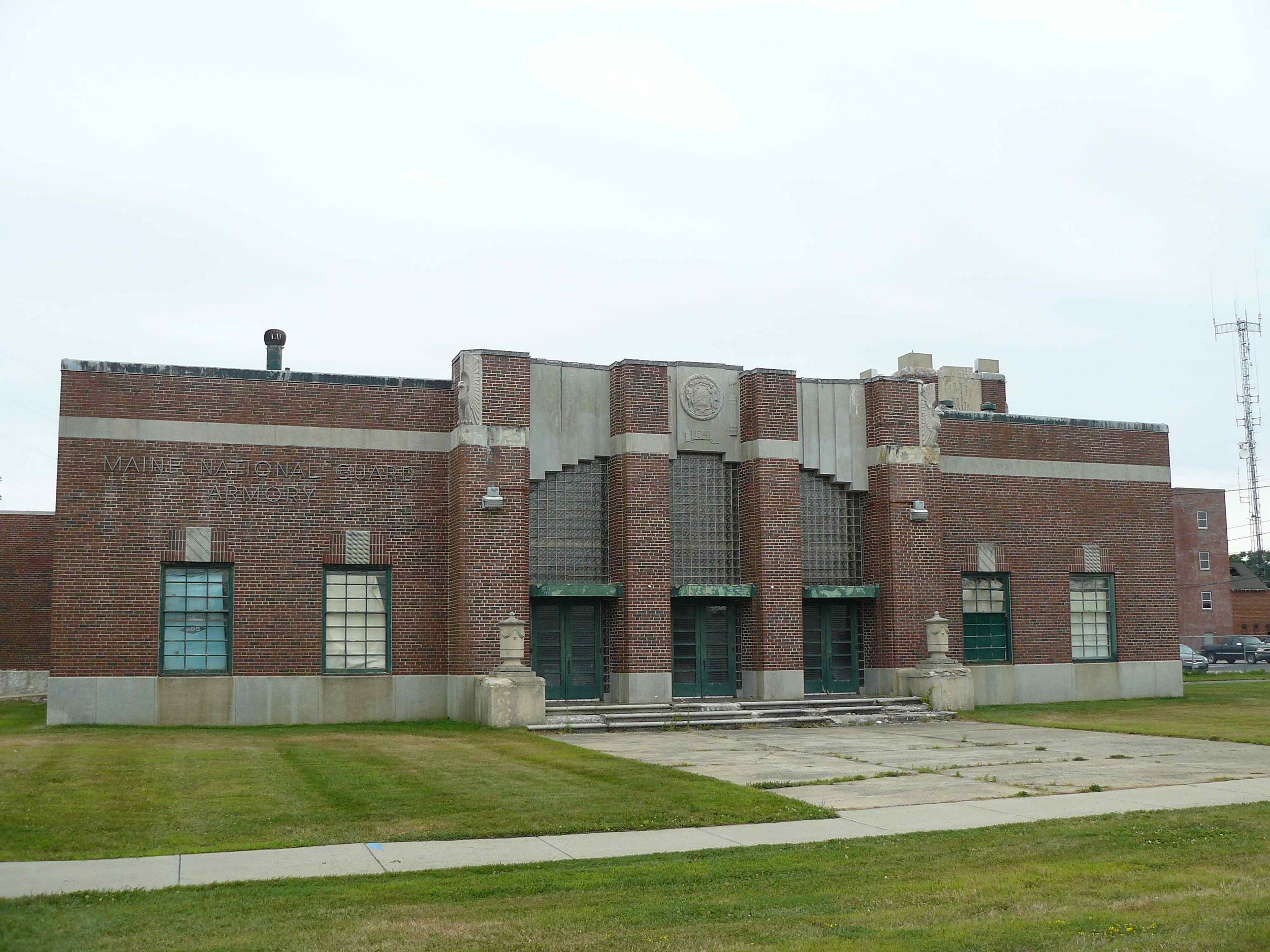 South_Portland_Armory_front.jpg