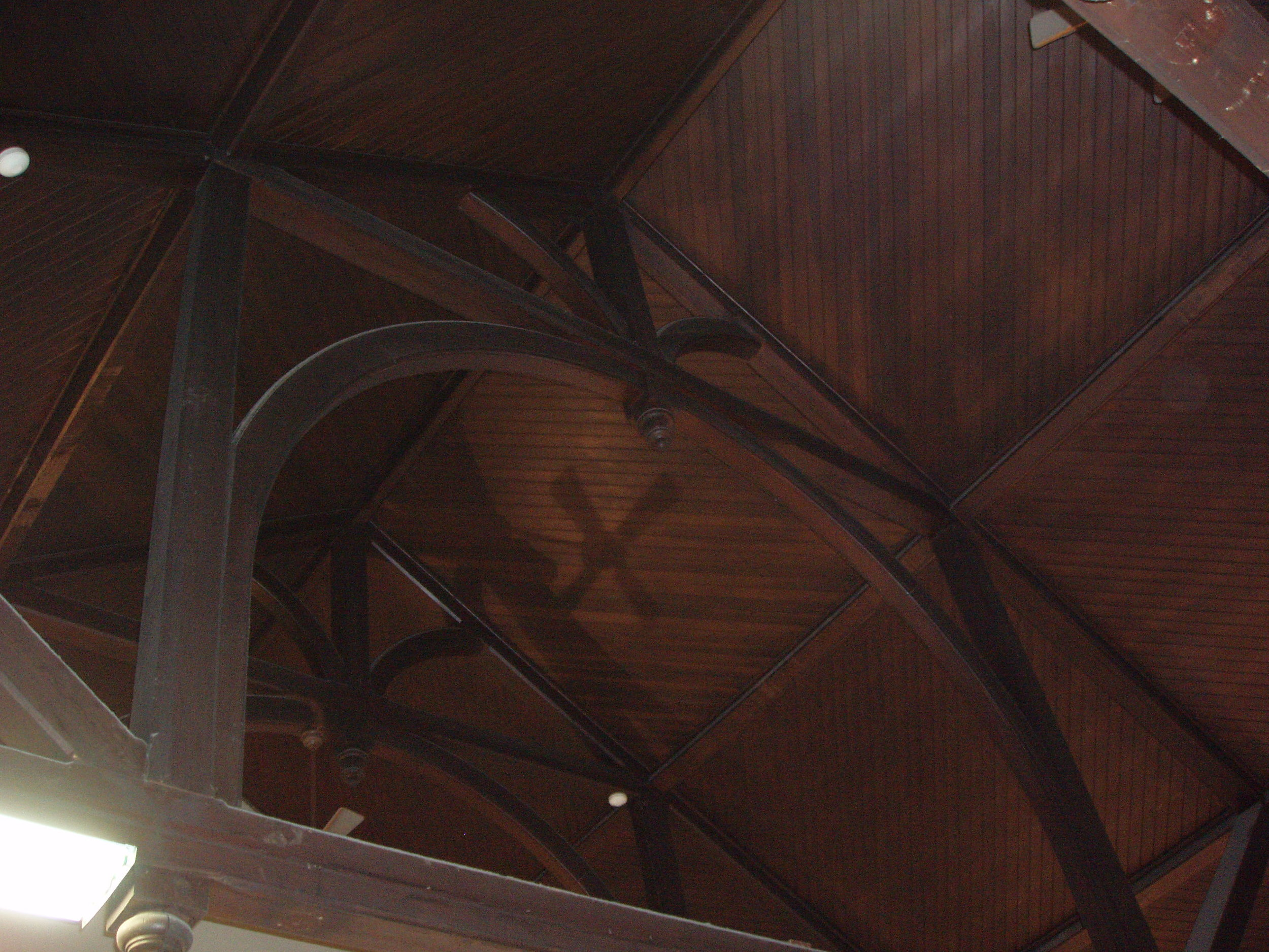 Baxter ceiling and truss.JPG