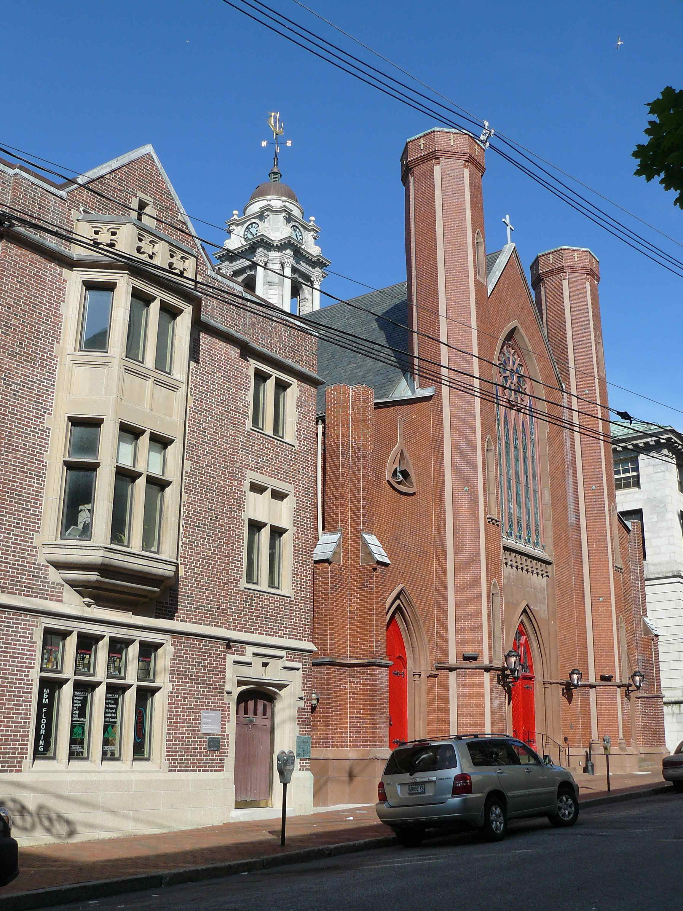 11-19_Chestnut_St_June_2012_Church(1856)_and_Community_House(1924).jpg