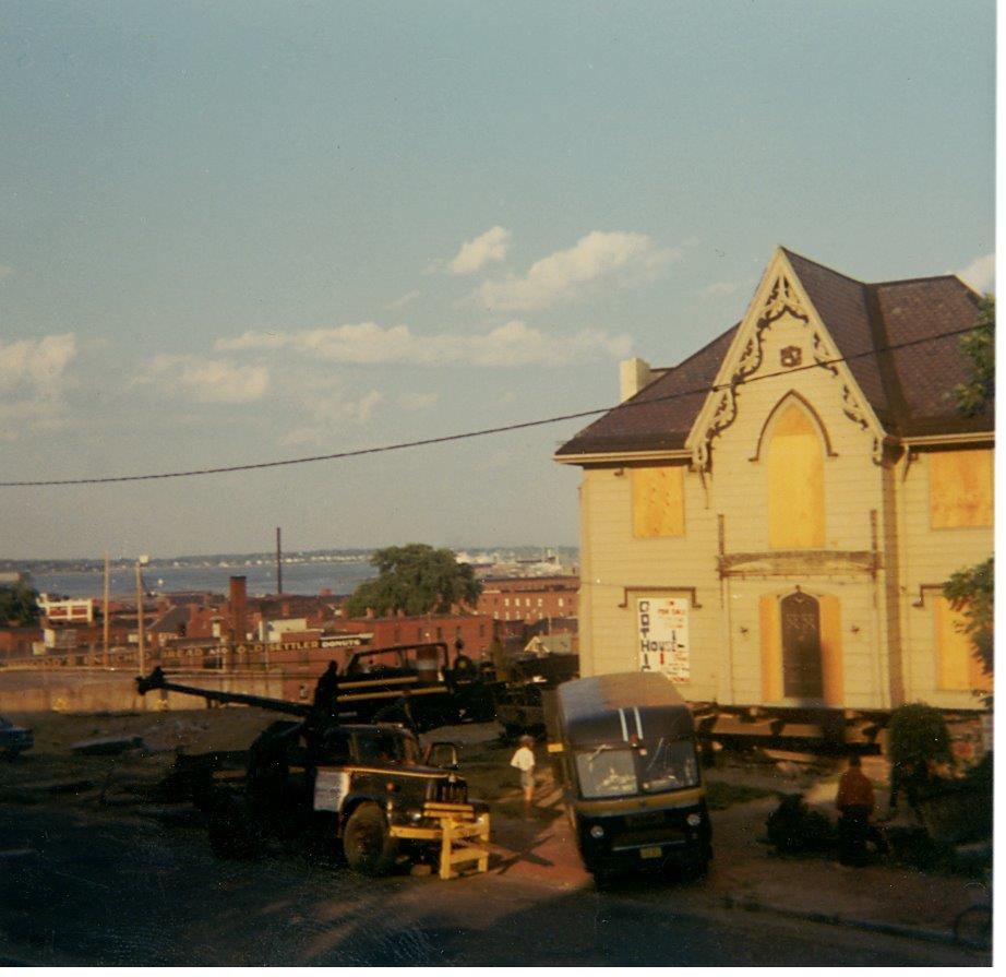 Gothic_House_Move_c1970_from_Charlton_Smith.jpg