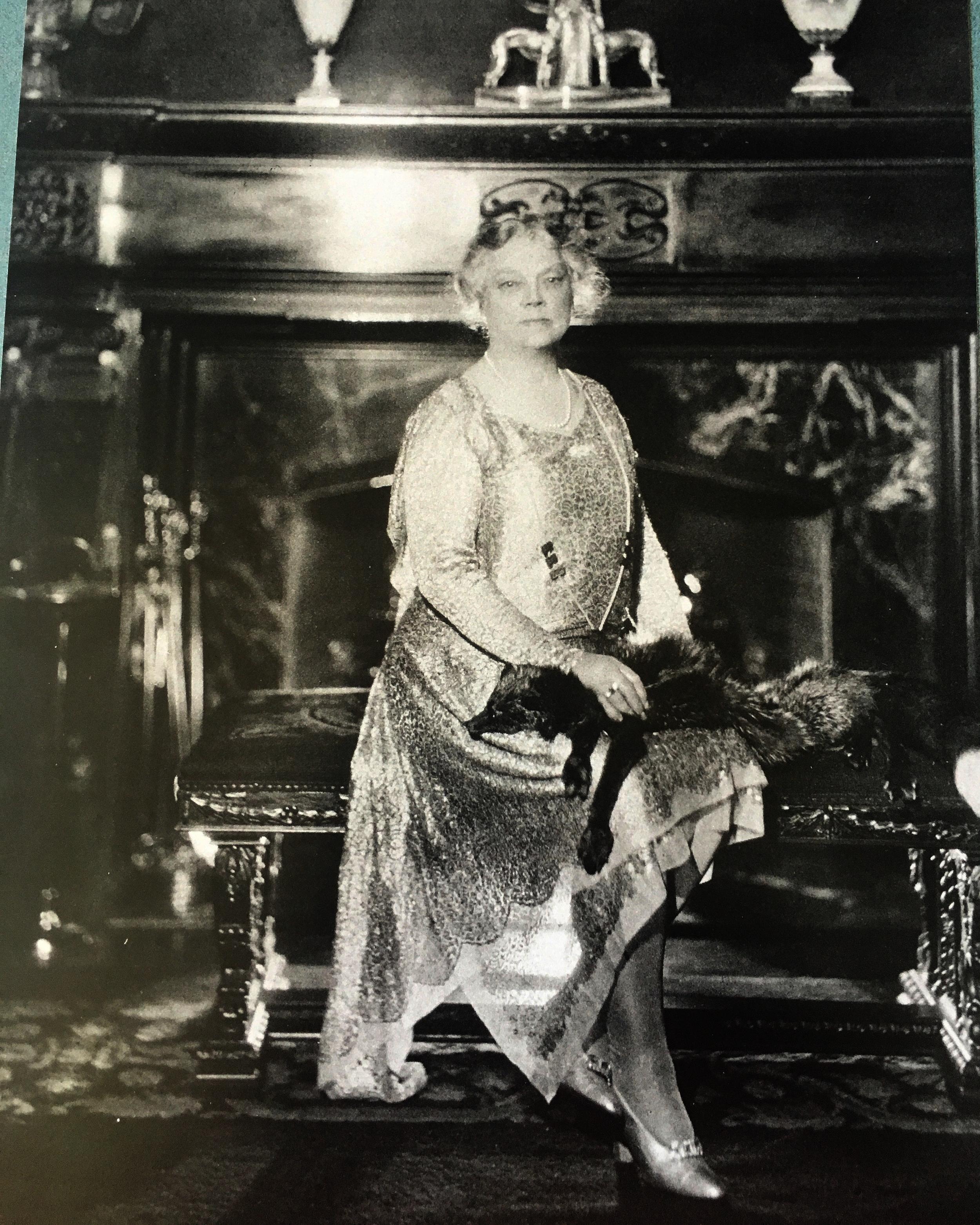 west mansion woman.JPG