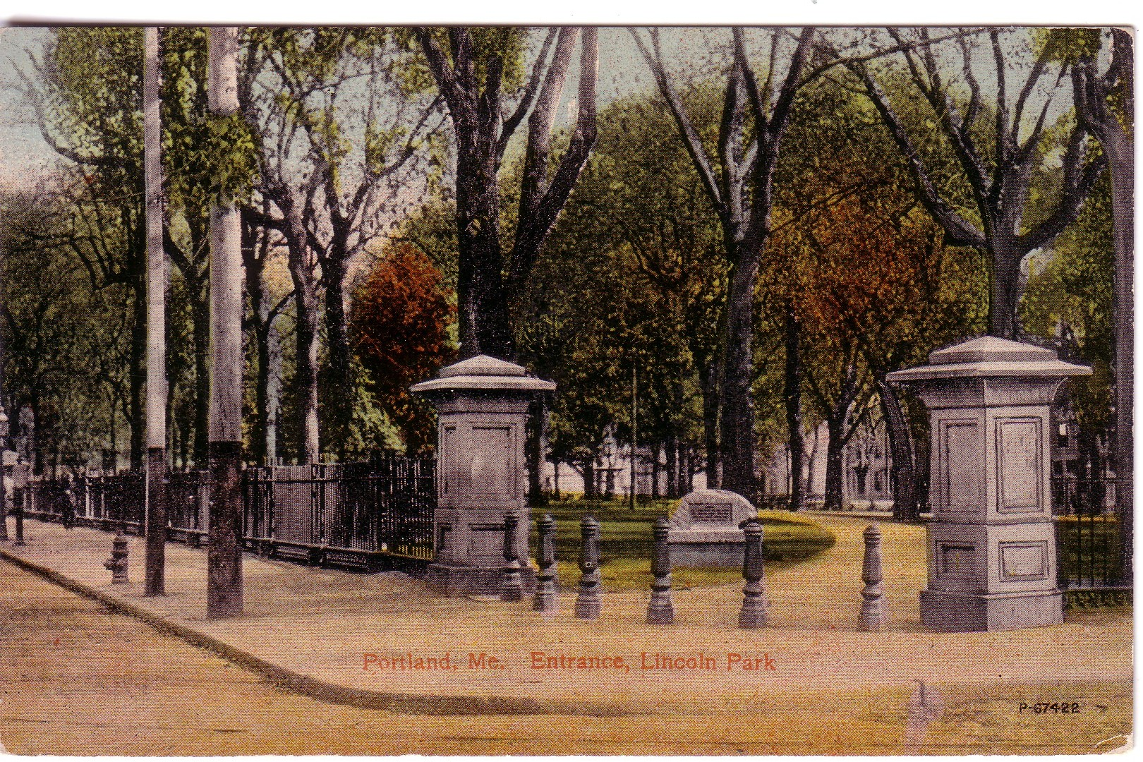 Entrance to Lincoln Park P169.jpg