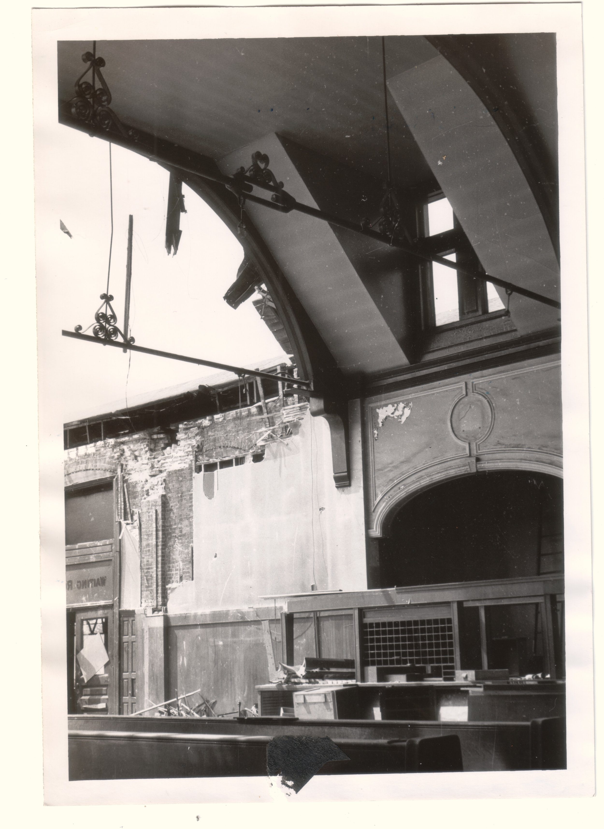 UnionStation_demoliton_interior3_1961_DORISIJOHNSON.jpg