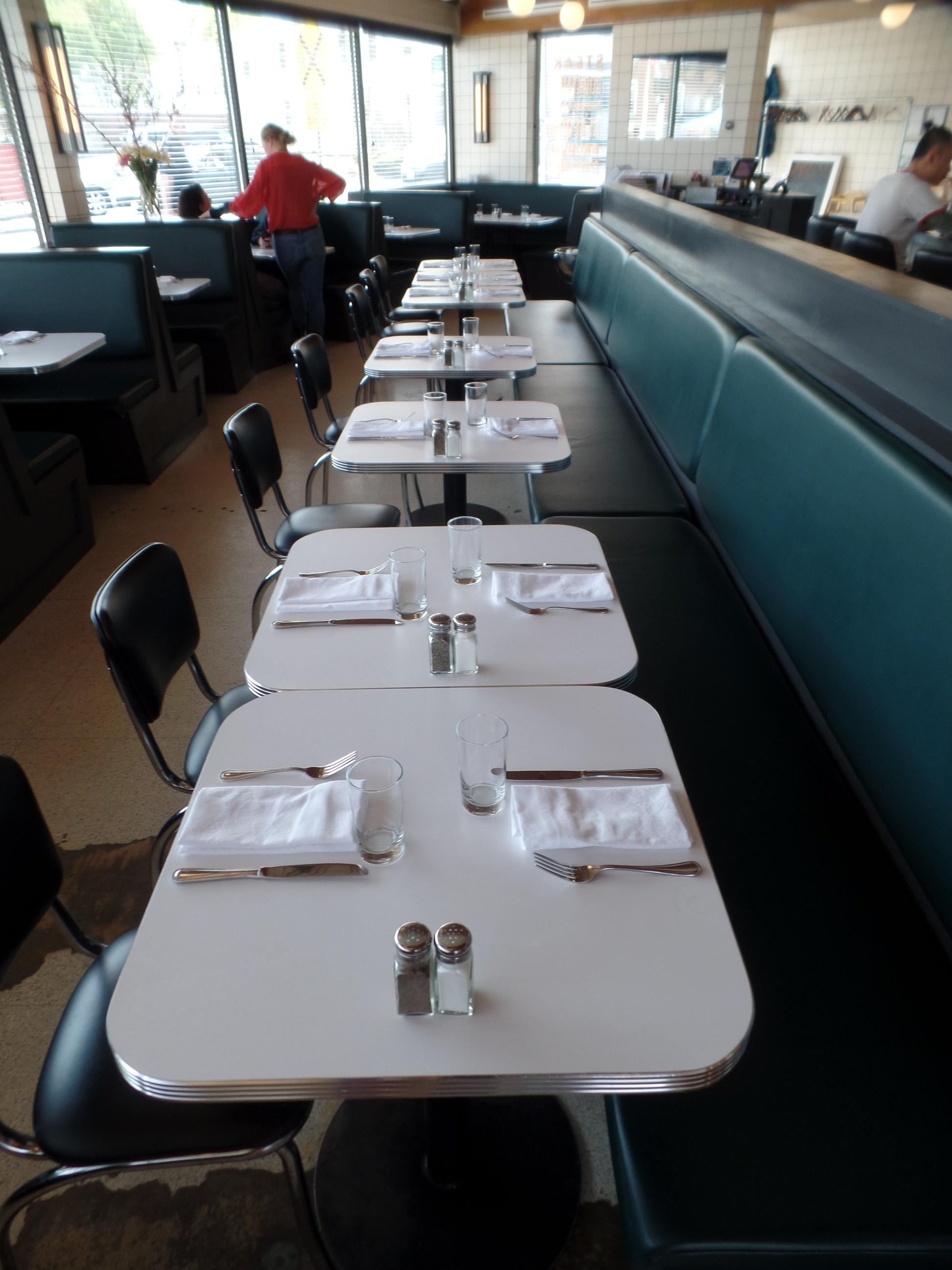 Woodfords_F&B_seating_Interior_2017.JPG
