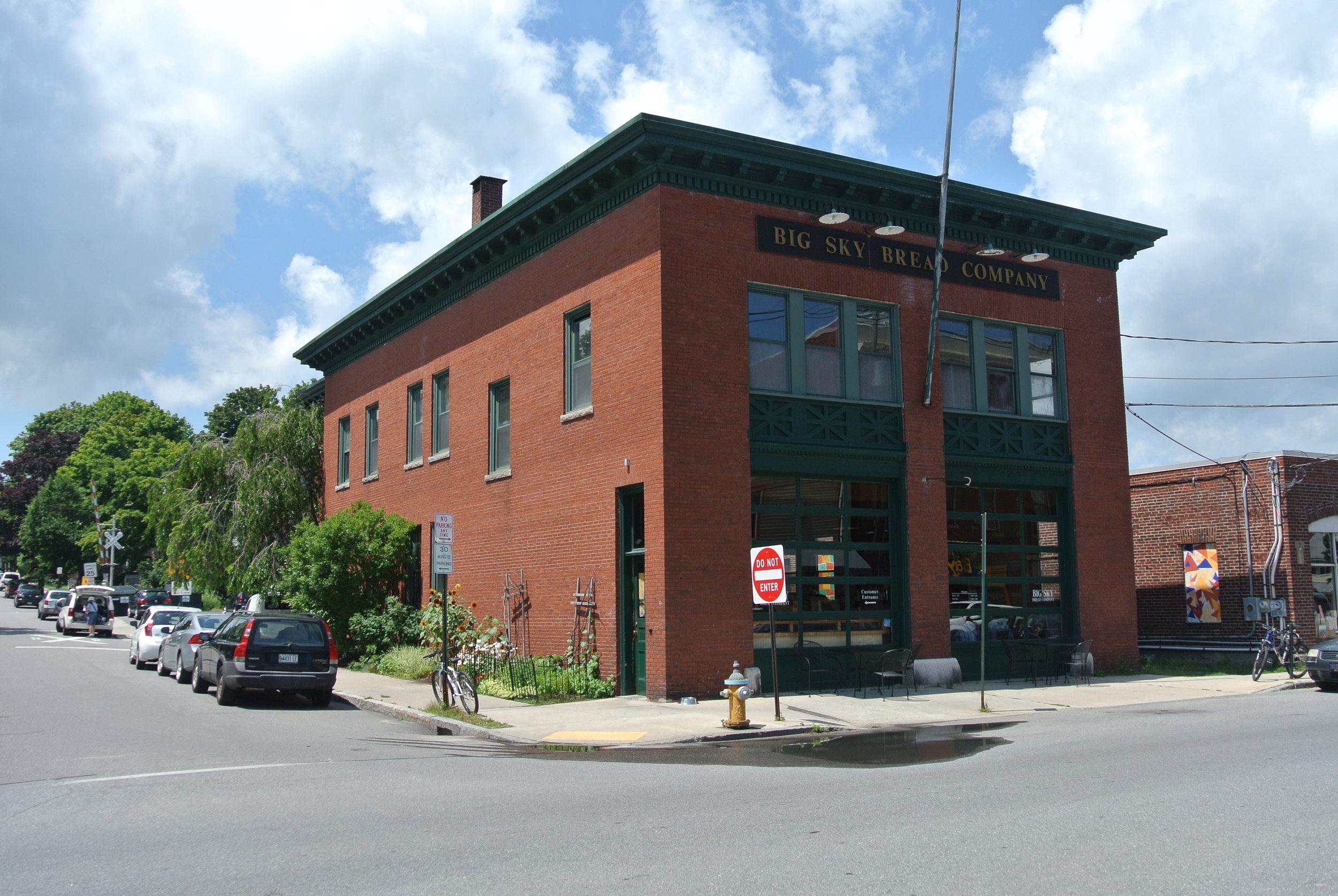 536 Deering Avenue
