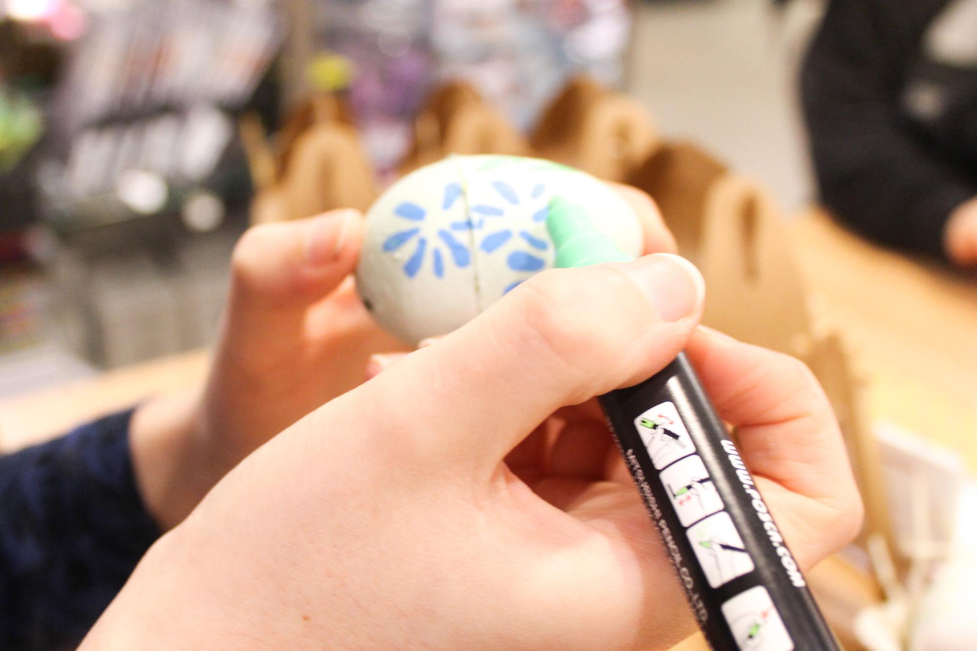 John-Lewis-Buttercrumble---Easter-Egg-Illustration---Instore-4.jpg