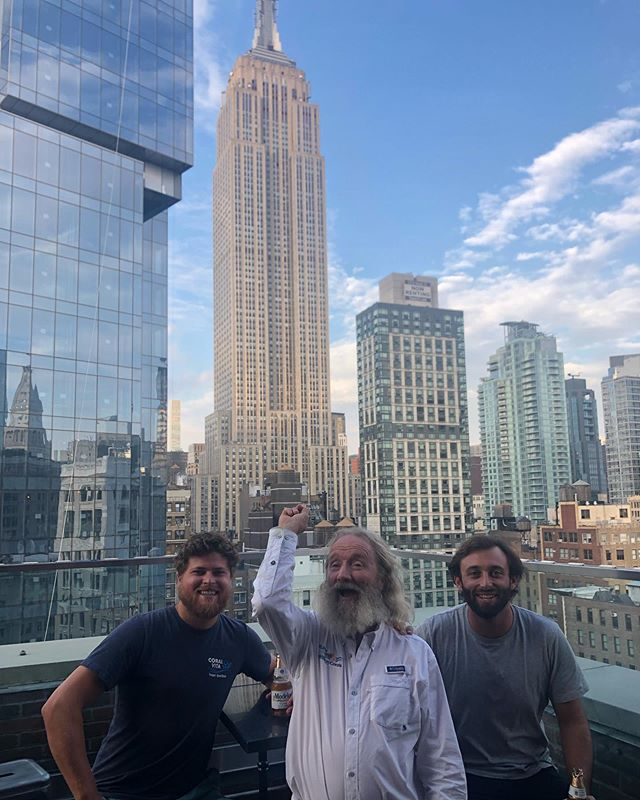 What a spot for a reunion. And always a fun time with this guy when it happens. . Great hanging out with our advisor and friend @drdavidevaughan of @plantamillioncorals as we all were in New York City for the #NatureNow #ClimateActionSummit. . Perpetually dreaming and problem-solving ways to #ProtectRestoreFund our world's #coralreefs.