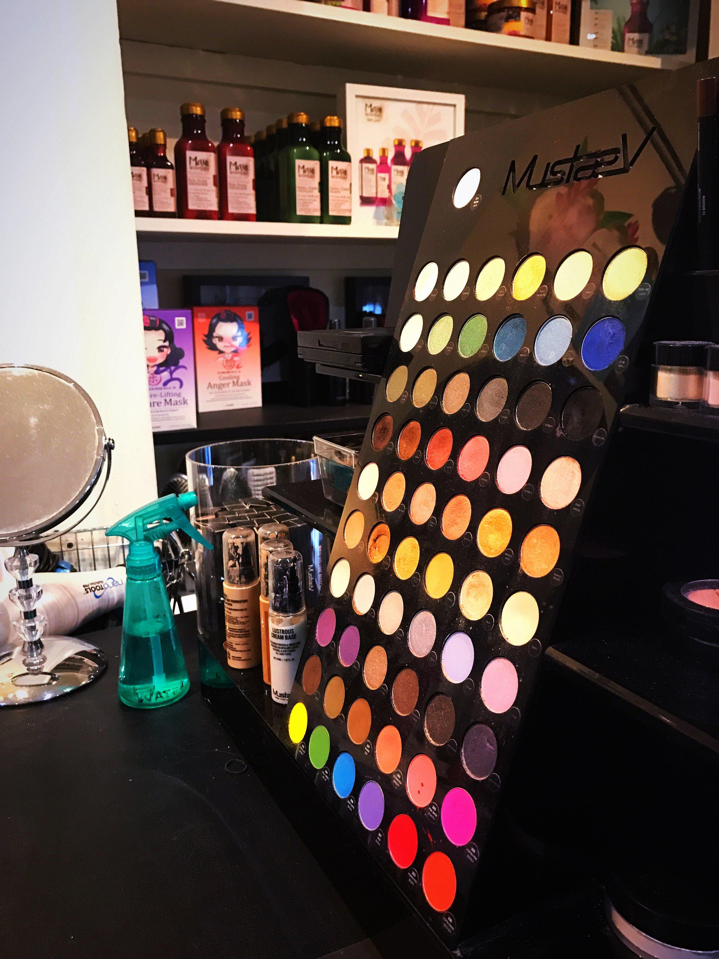 make up stylist studio