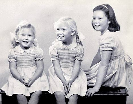 Irina, Masha and Olga, Family Photo, Moscow