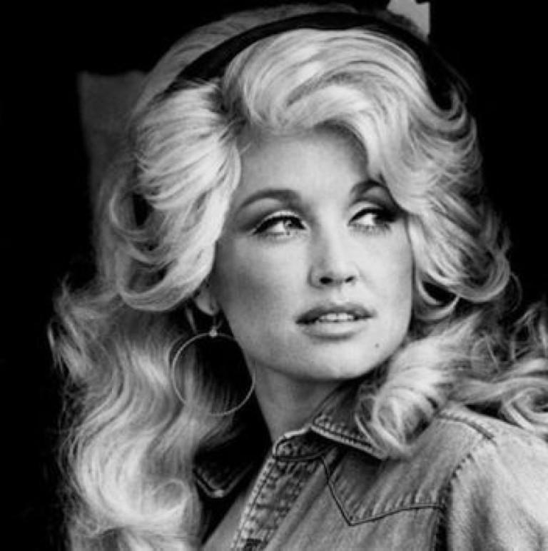 Dolly-Parton-768x772.jpg