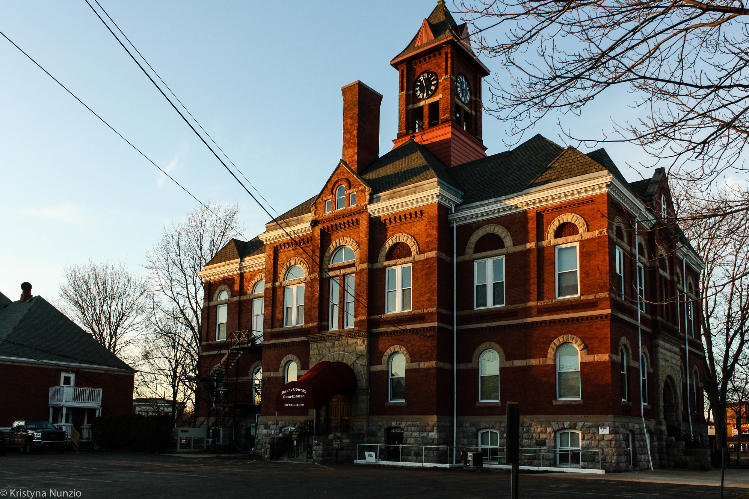 """56B District Courthouse in Hastings"""