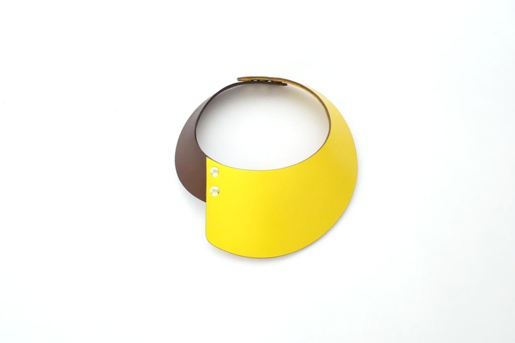 Yellow choker.jpg