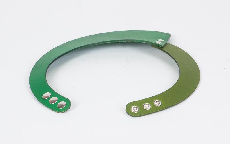 Green choker 2.jpg