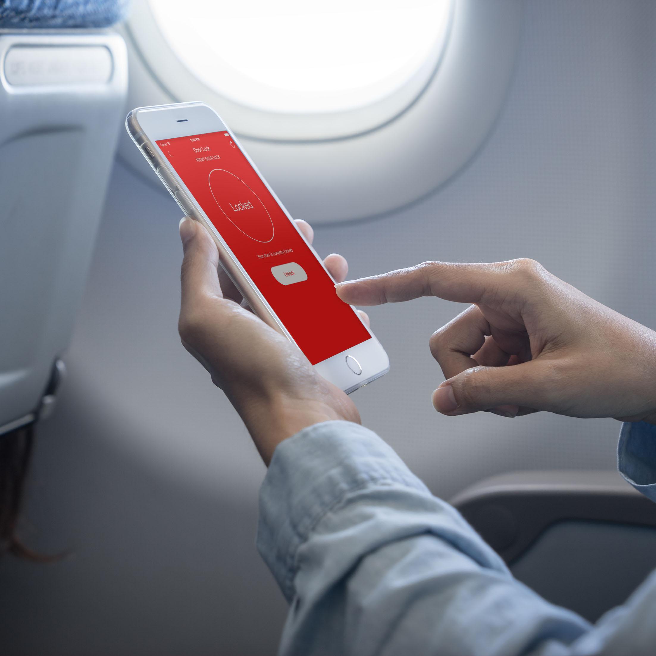 PhoneAirplane.jpg