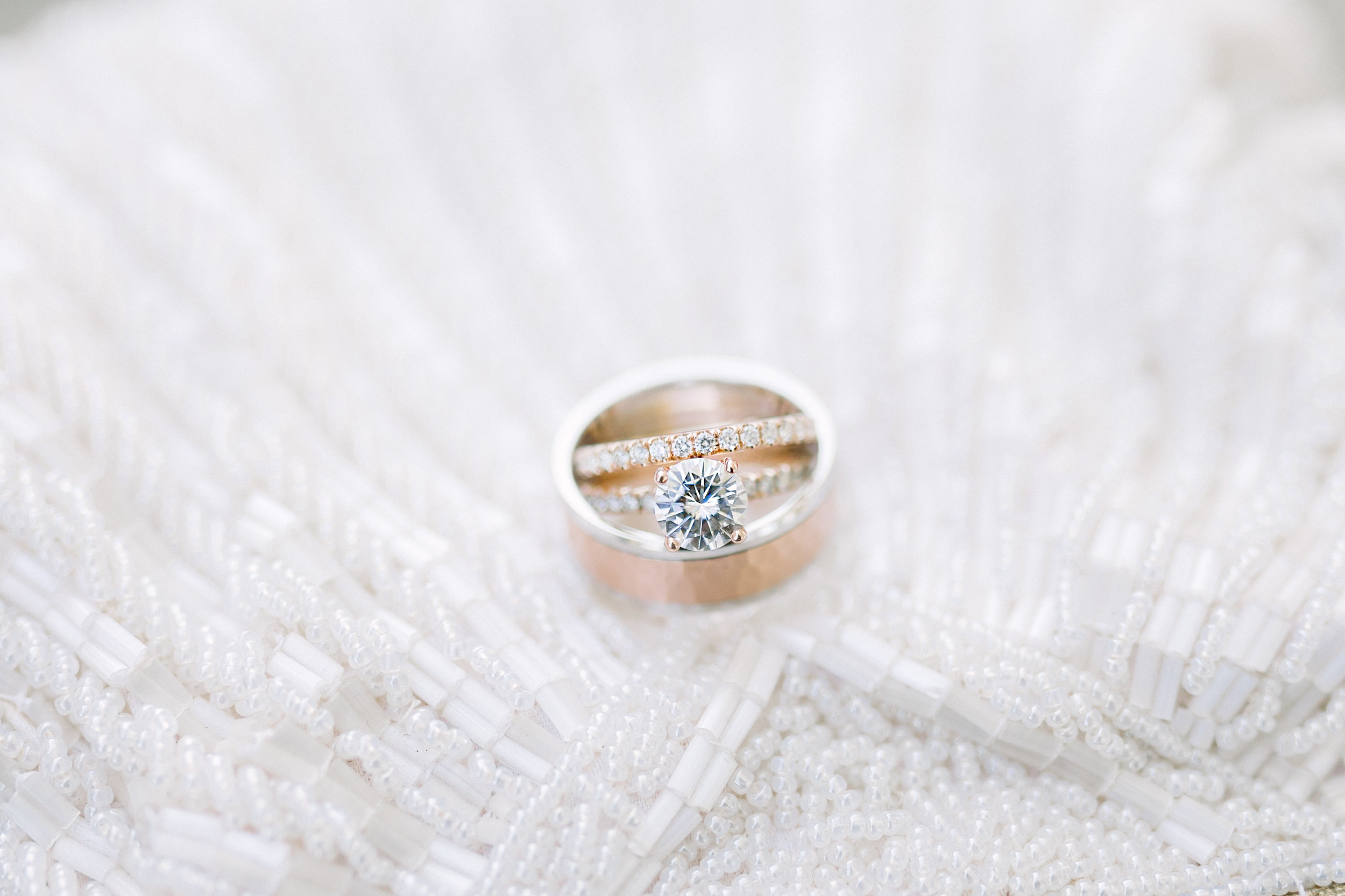 Elegant wedding ring photos and wedding details