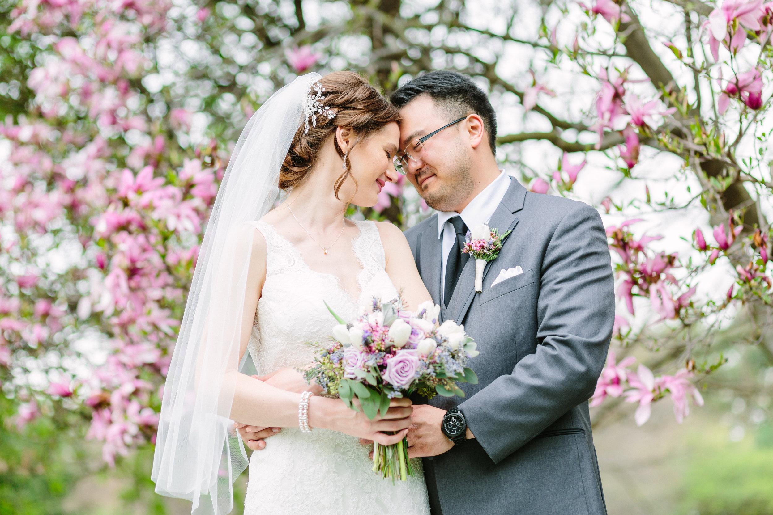 Wedding photos at fellows riverside gardens in spring