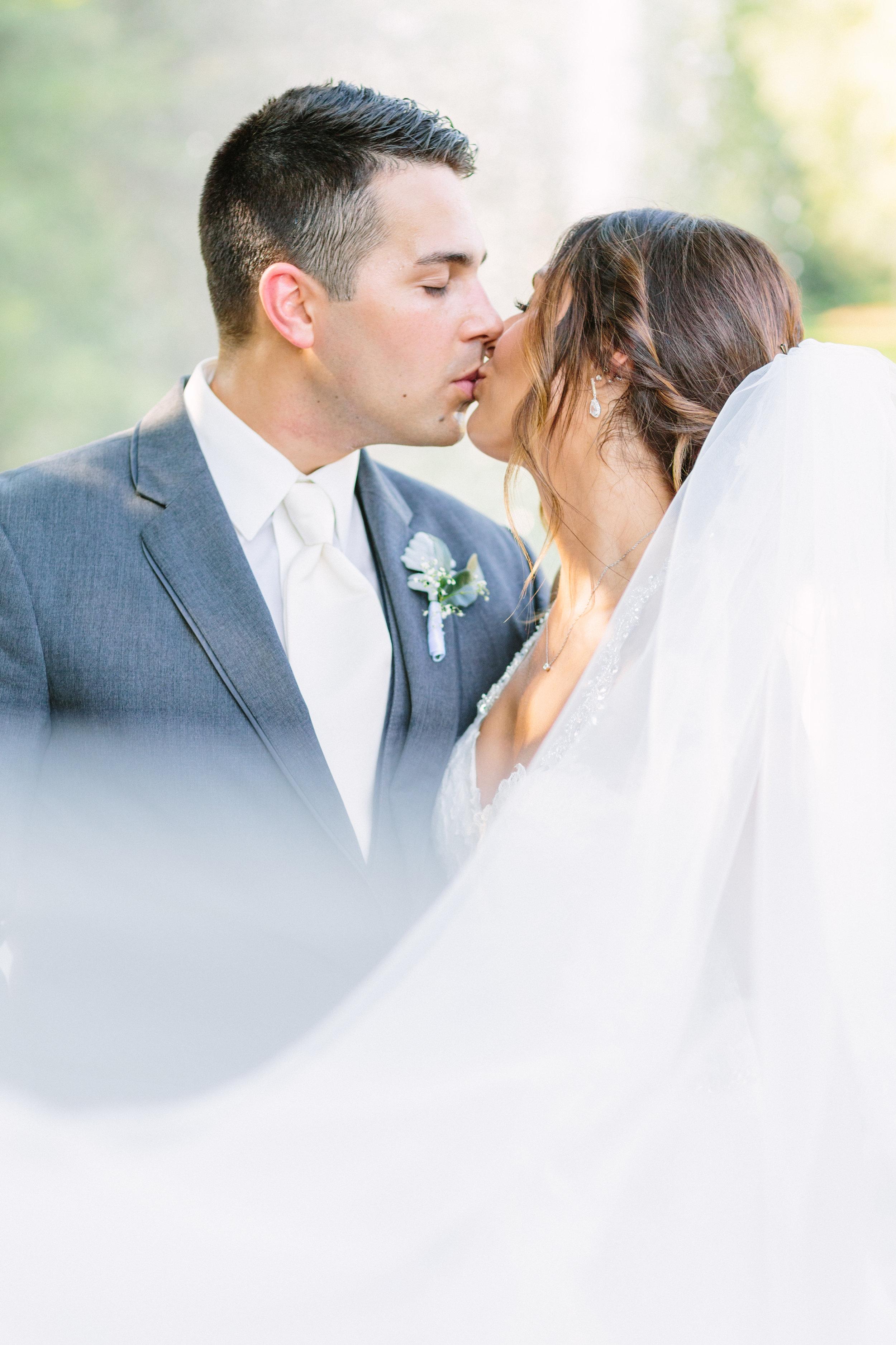 Elegant fine art wedding photography at fellows riverside gardens