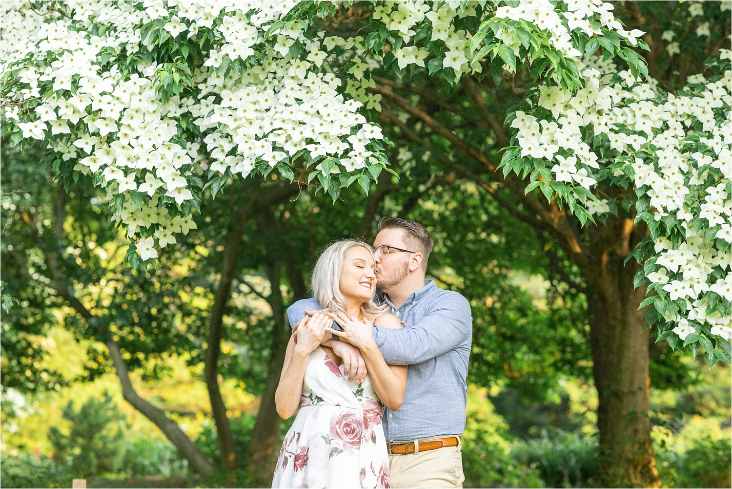 Gorgeous spring flowers engagement photos at fellows riverside gardens
