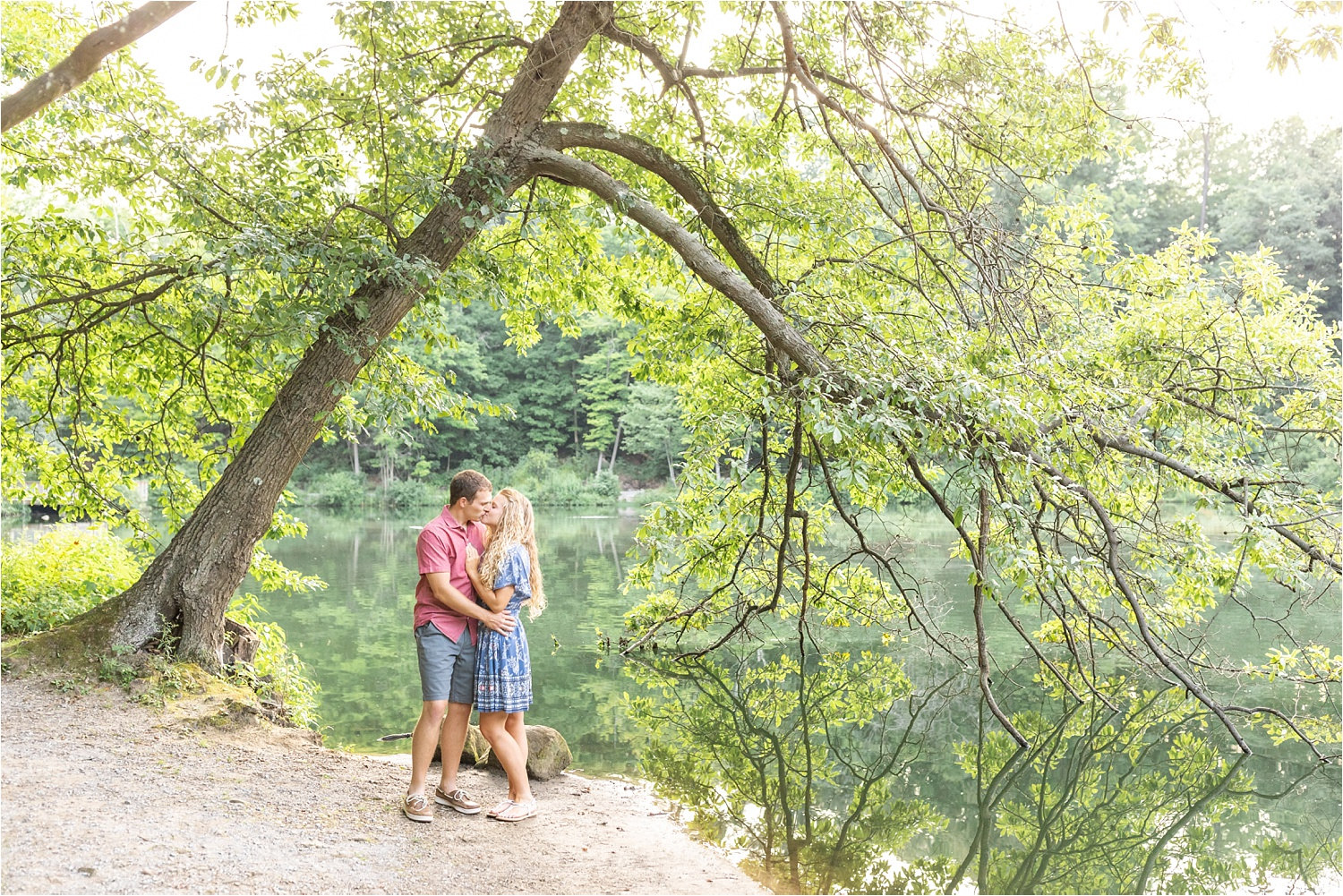 sunny fine art light and airy engagement photos at fellows riverside gardens in july 2019