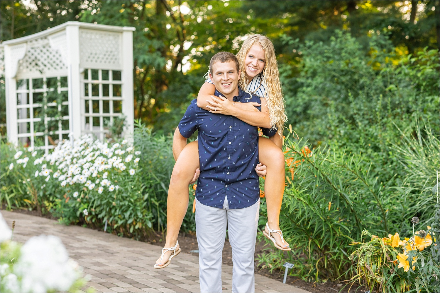 fine art bright & airy engagement photos at fellows riverside gardens in july 2019