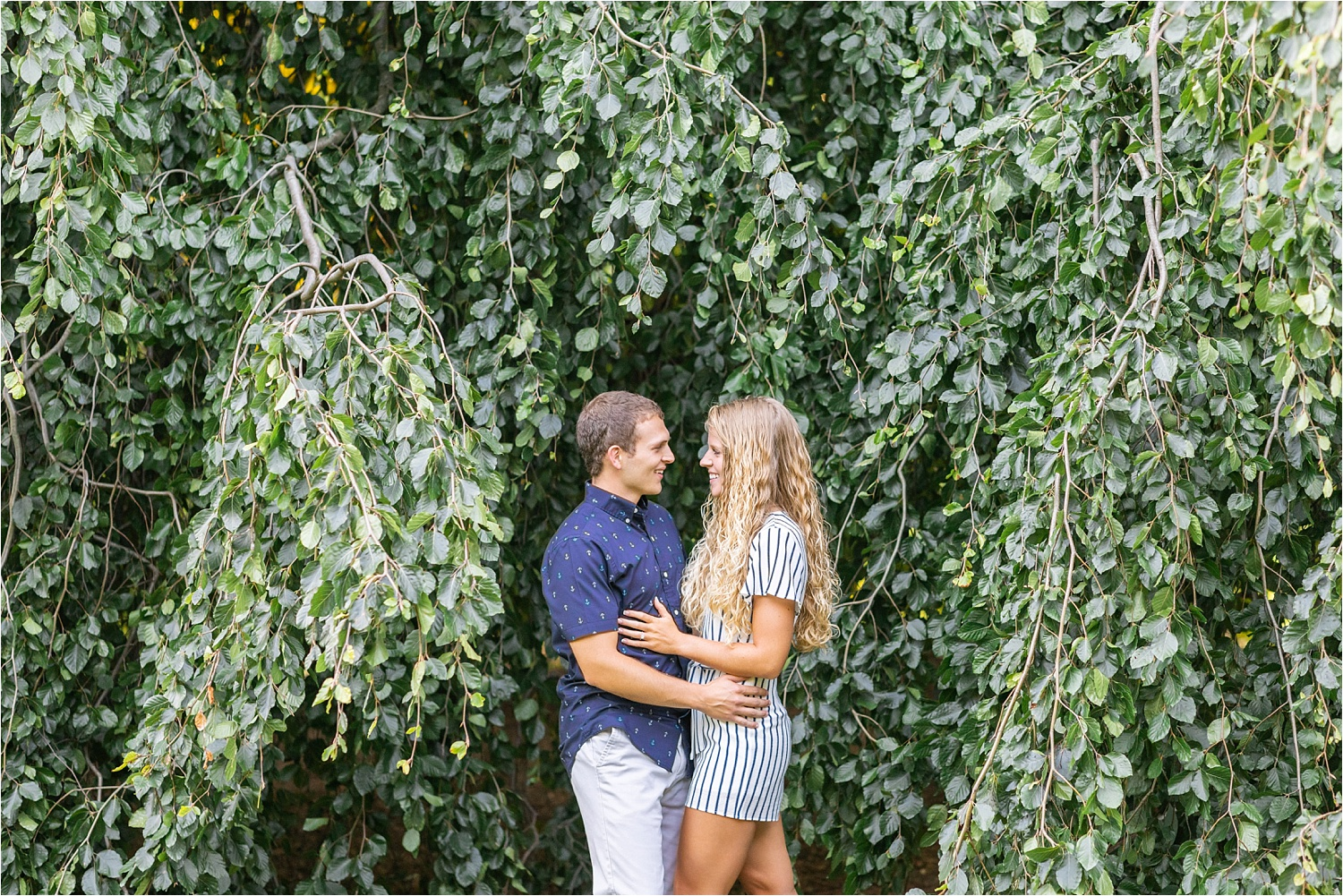 gorgeous fine art bright & airy engagement photos at fellows riverside gardens in july 2019