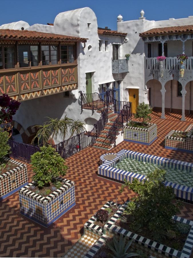 El-Andaluz_Exterior1005.jpg