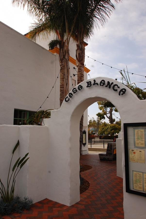 Casa-Blanca-Restaurant_Exerior1007.jpg