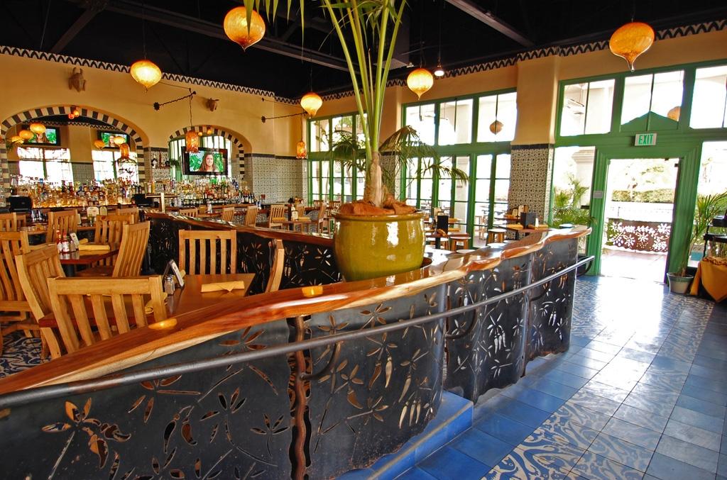 Casa-Blanca-Restaurant_Interior1114.jpg
