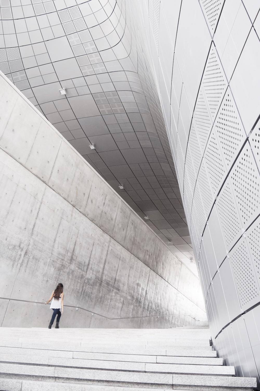 Dongdaemun-Design-Plaza-2.JPG