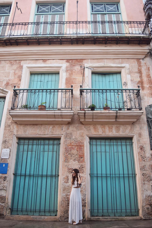 Best instagram pictures in Havana Cuba  -  Tessa Juliette | http://travelwheretonext.com/cuba