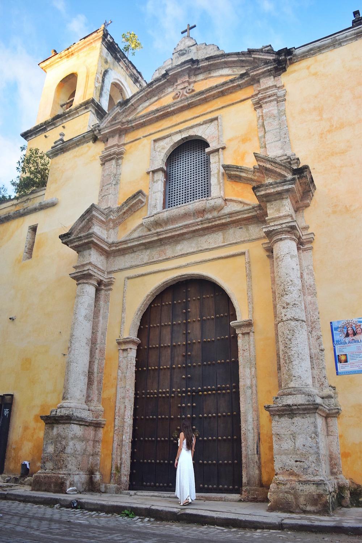The best places to explore in havana cuba  - Tessa Juliette | http://travelwheretonext.com/cuba