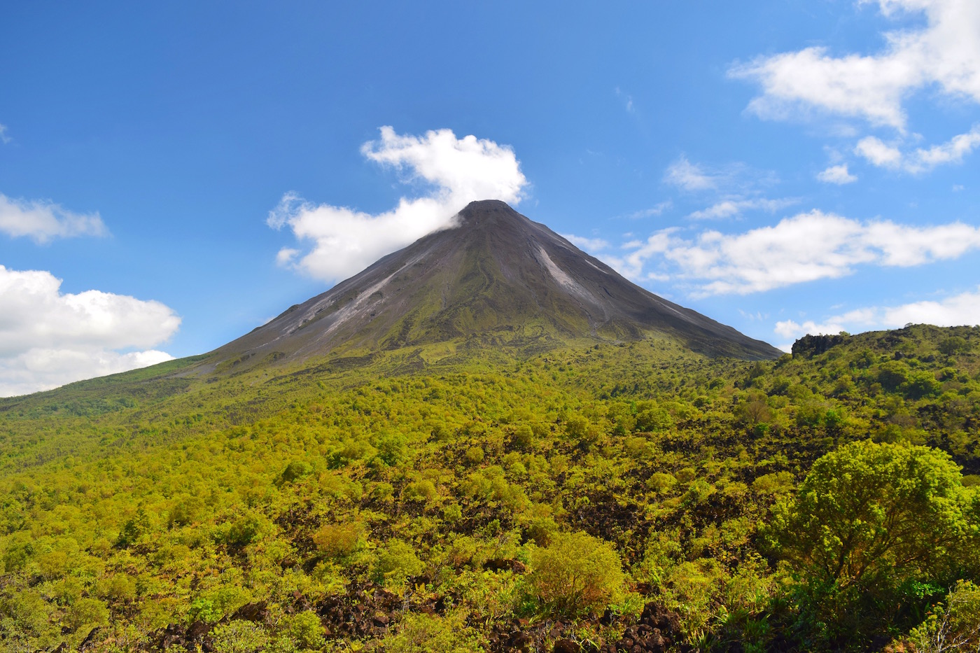 One of the best things about Costa Rica is the active volcano - Arenal Volcano.  Tessa Juliette | Travel Where to Next http://travelwheretonext.com