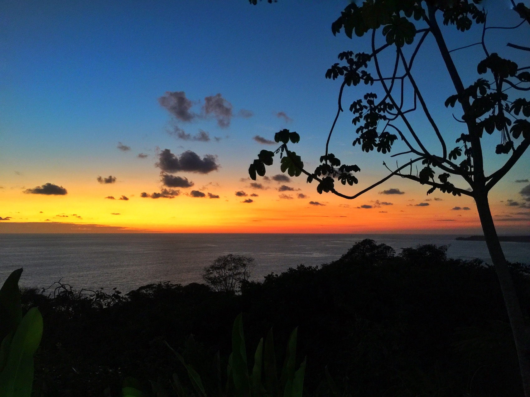 sunsets over the water in costa rica are gorgeous.   One of the best things to do in Costa Rica.   Tessa Juliette | Travel Where to Next http://travelwheretonext.com