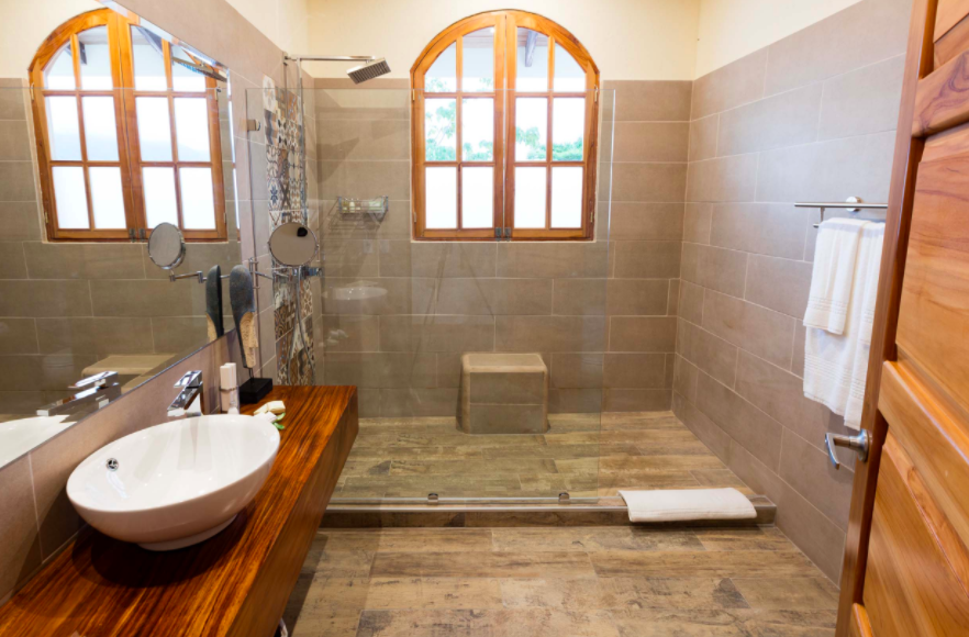 El Castillo Bathroom