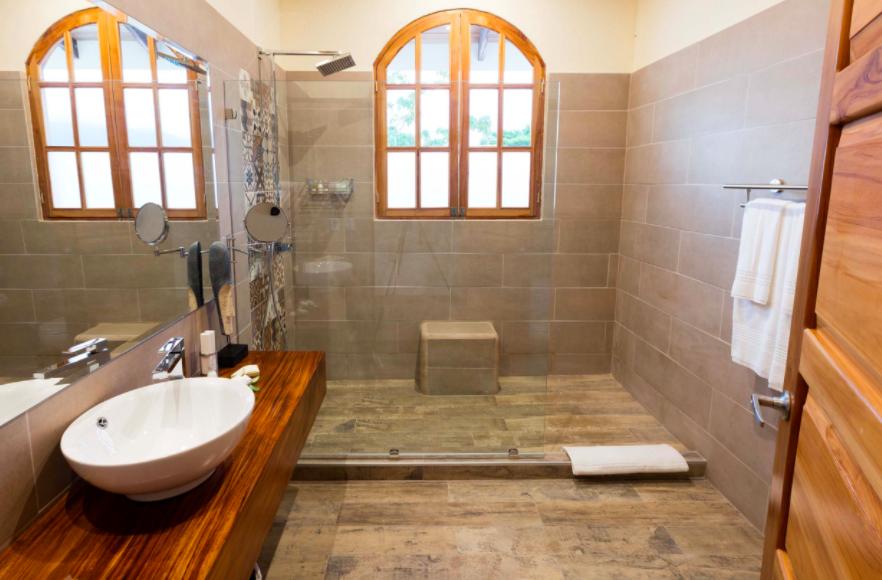 Bathroom at El Castillo in Costa Rica