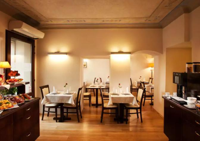 Breakfast Room | Hotel Santi