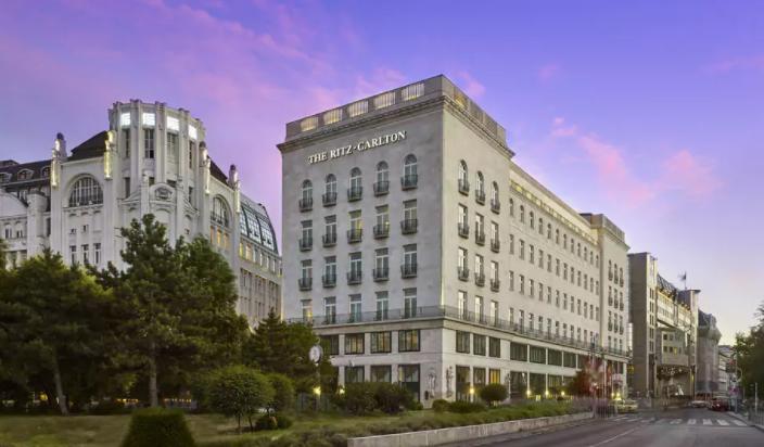 Hotel   Ritz-Carlton Budapest