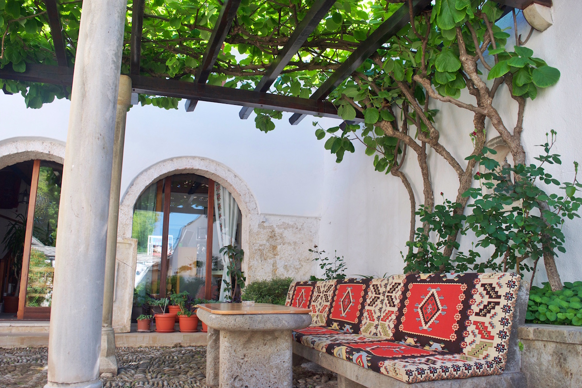 cheap hotel in Mostar