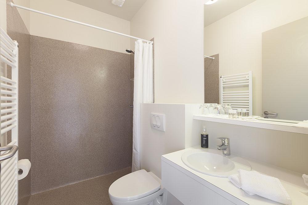 Bathroom at Geo Hotel Grindavík