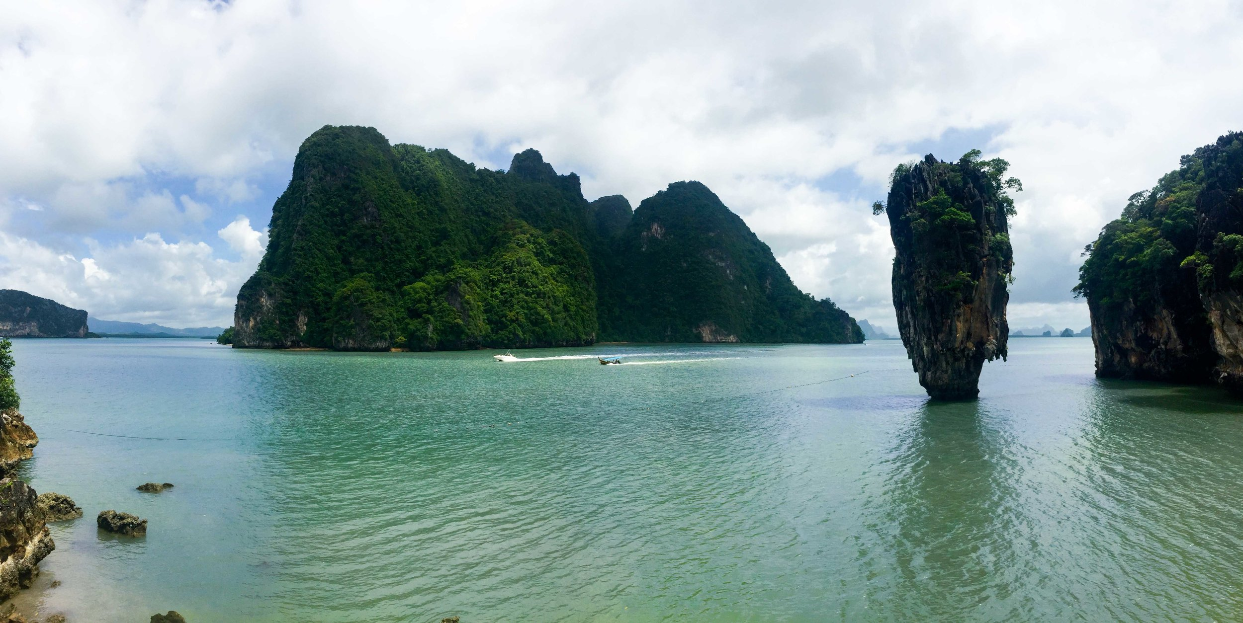 One of the most beautiful places in all of Thailand - James Bond Island or Phang Nga Bay